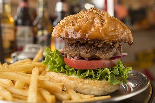 肉汁たっぷりハンバーガー